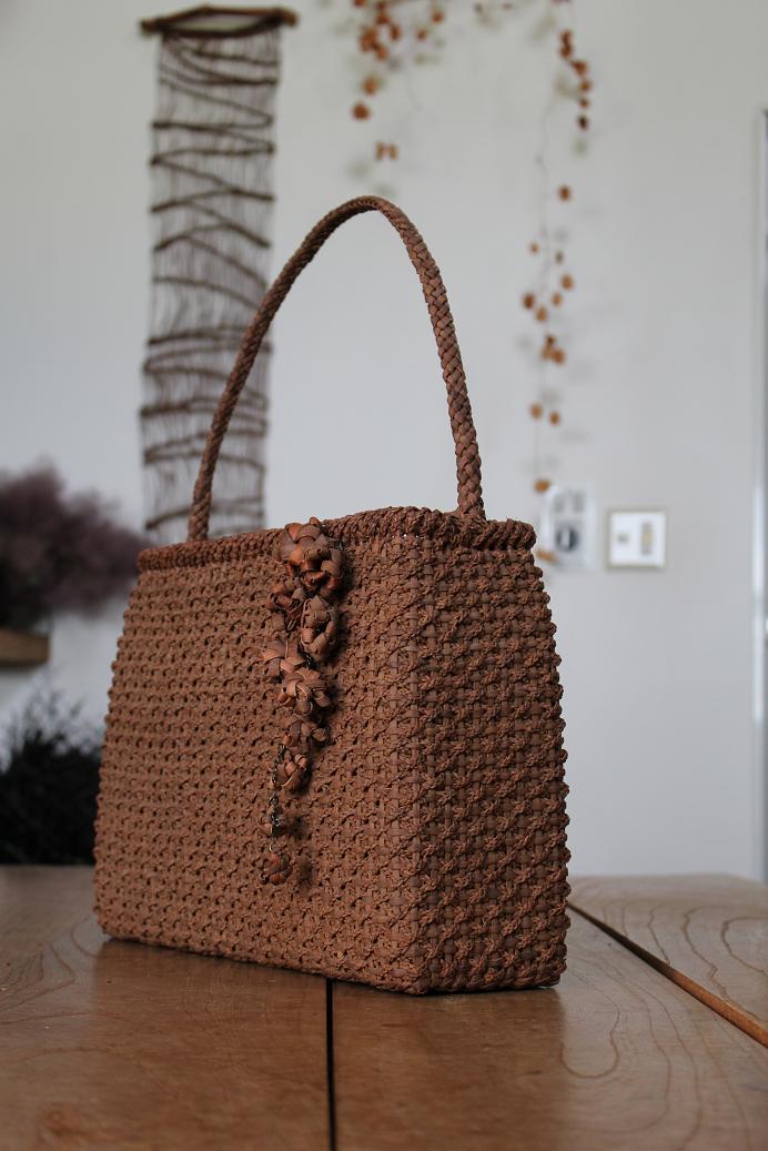 山葡萄みつ編みバッグ